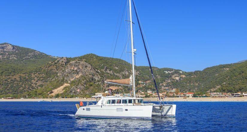 fcc 21 bareboat dış