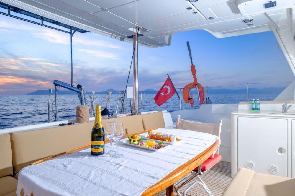 kiralık yat fcc21 bareboat